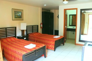 deluxe-room-lost-horizon-resort-alona-beach-panglao-bohol-philippines